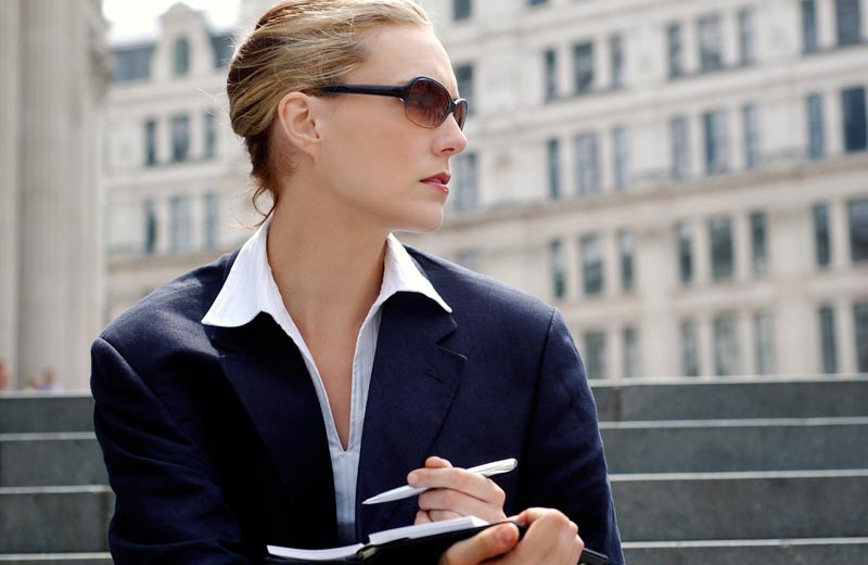 Successful Women: 15 Common Traits | Guys - Can We Learn from Them?