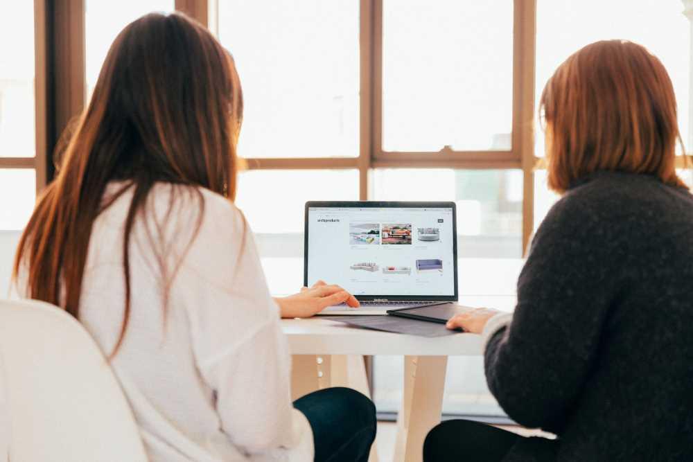 Catalogs, Aggregators and Reviews