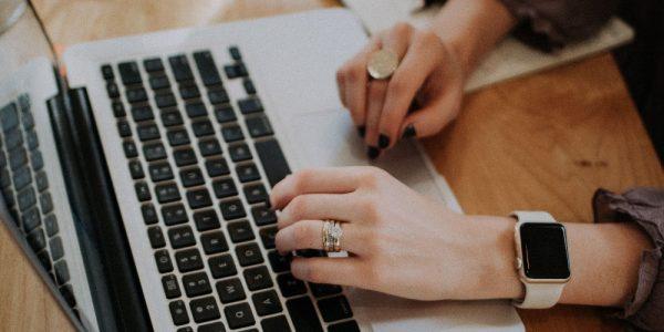 8 Simple Tricks to Write Killer Blog Headlines That Drive Conversions